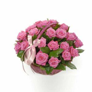 25 роз в корзинке